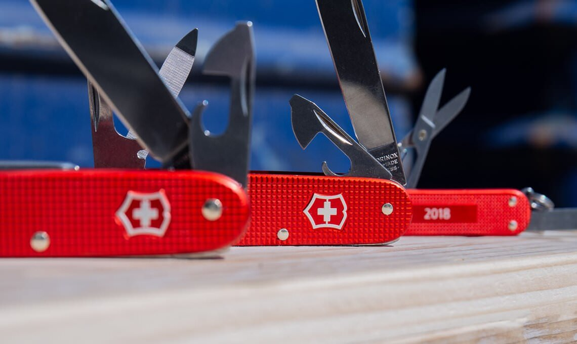 red color swiss army knives